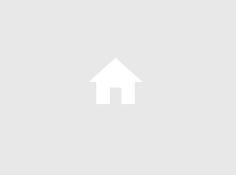 Living Room opens to Solarium